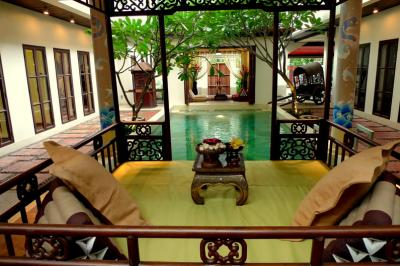 4 Bedroom Thai Boutique House With Private Swimming Pool In Sukhumvit