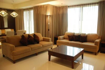 2 Bedroom For Rent At The Emporio Place Sukhumvit 24